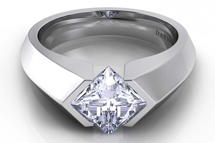 Danhov Voltaggio knife edge princess-cut engagement ring. Photo courtesy of Danhov.