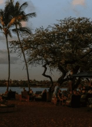Beach Bars In Hawaii You'll Love