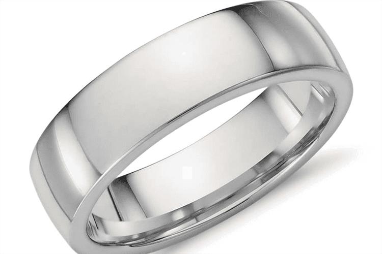 Platinum ring courtesy of Blue Nile