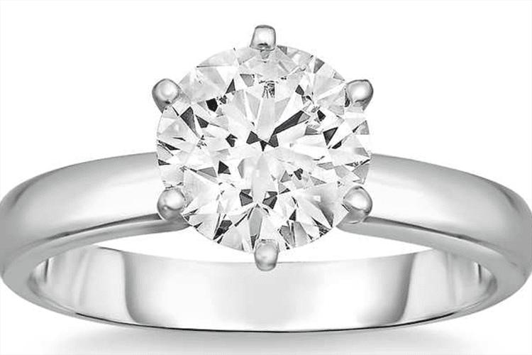 Round brilliant 1.00 ct VS2 Clarity, G Color Diamond Platinum Solitaire Ring. $7,499. Photo courtesy of Costco.
