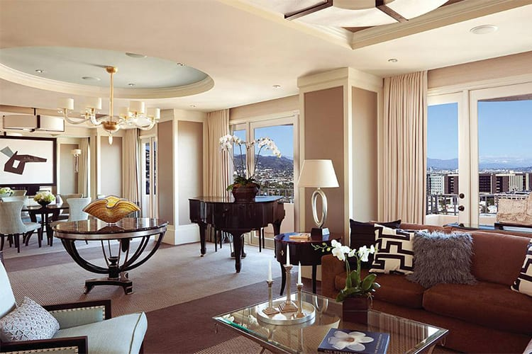 Four Seasons Los Angeles at Beverly Hills Famous Hotel