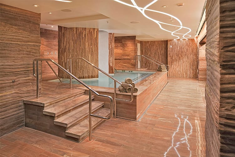 Sahra Spa Las Vegas Guy Spa