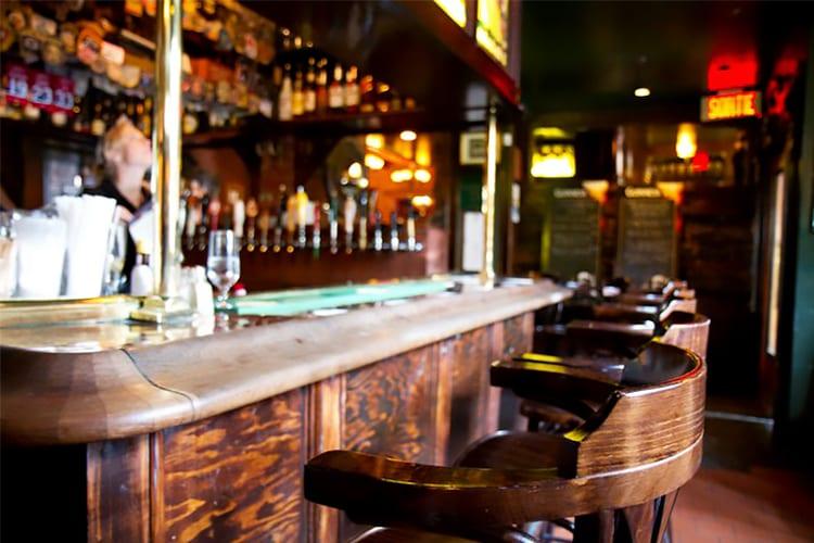 Hurley's Irish Pub Montreal Beer Bar