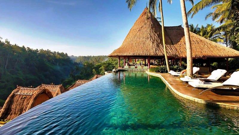 Honeymoon destination bali the plunge for Hotel in bali indonesia near beach
