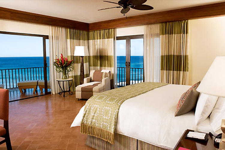 Romantic Honeymoon Resorts in Costa Rica - Marriott Ocean Front Suite