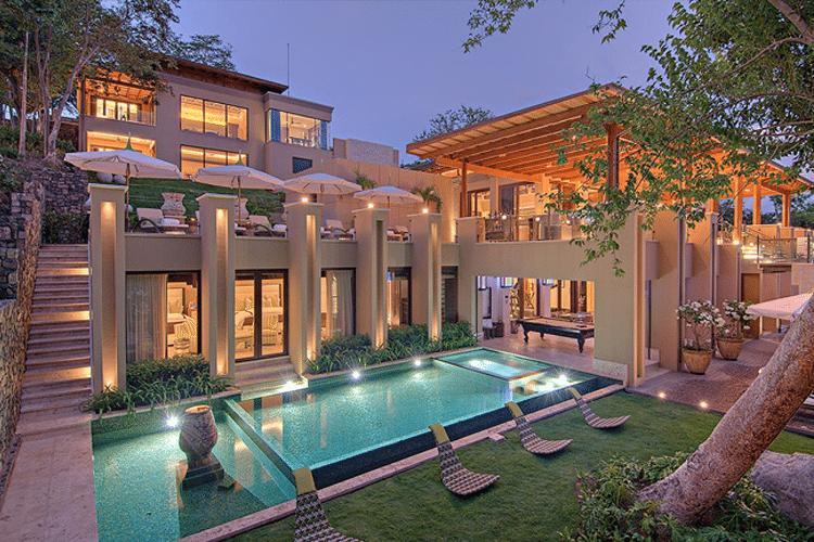 Romantic Honeymoon Resorts in Costa Rica - Villa Mazu view of villa and pool