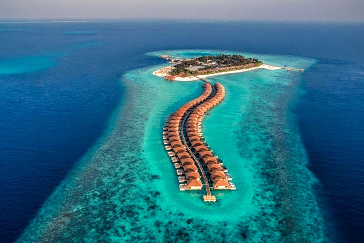 Maldives Honeymoon Guide - Resort by Island