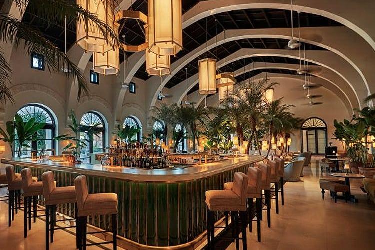 Miami Honeymoon Guide - the Sirenuse Restaurant