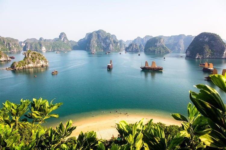 Vietnam Honeymoon Guide - North Halong Bay