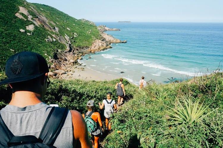 People hikinh on the Floripa Trail