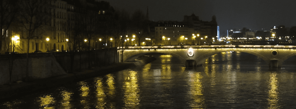 Pont Louis-Phillipe at night, Paris France