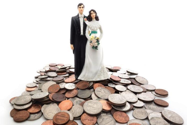Millennials Spend Less, Bucking Wedding Traditions