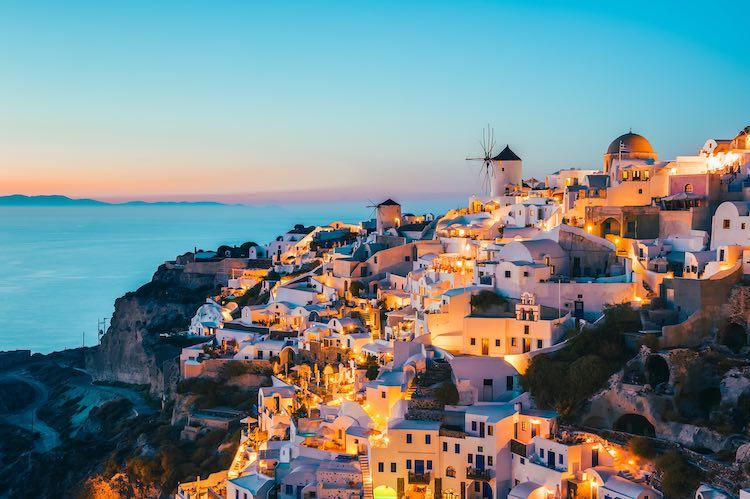 5 Romantic and Interesting Honeymoon Spots in Europe